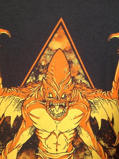 shirt_space-gargoyle_darkgray_02